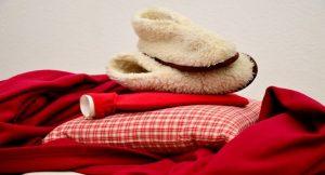 赤い毛布と手袋
