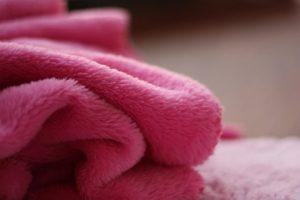 ピンク毛布