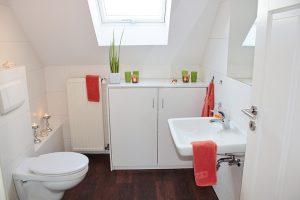 白い清潔なトイレ