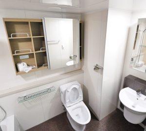 棚のあるトイレ