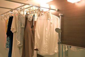 浴室に干す洗濯物