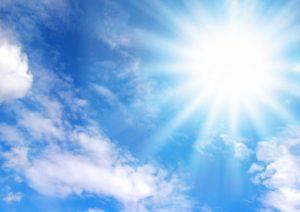 日差しの強い太陽